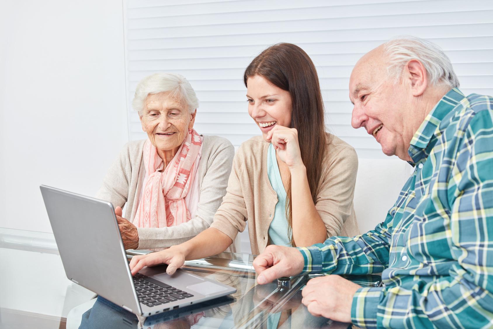 Ältere menschen kennenlernen